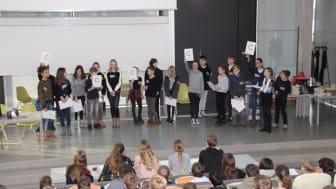 Ein Gruppenwettbewerb, in dem gemischte Teams aus den Schulen an den Start gingen. © TH Wildau / Bernd Schlütter