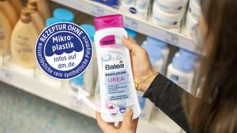 """Der Hinweis """"Ohne Mikroplastik, ohne wasserlösliche rein synthetische Polymere"""" ist jetzt auch auf dem dm-Markenprodukt sichtbar"""