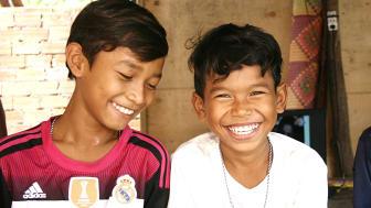 Erikshjälpen kommer bland annat använda stödet från Postkodlotteriet till att stärka barn och familjer i Kambodja.