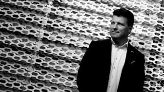 Företagsprofilen Jonas Carpvik firar födelsedagen med en välgörenhetskonsert.