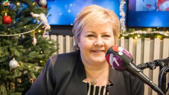 GJESTEPROGRAMLEDER: Det blir gjenhør med statsminister Erna Solbergs julefavoritter på Julekanalen P7 Klem, i tillegg til mange nye gjesteprogramledere. Foto: P4