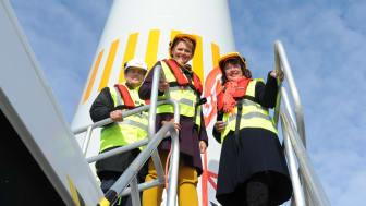 Idag inviger Anna-Karin Hatt E.ONs vindkraftpark utanför Öland