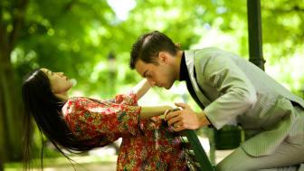 Let Love In är en av fem filmer som Skånes Dansteater skapat under våren 2020. I bild: Jing Yi Wang, Riccardo Zandoná. Filmfotograf: Anna Brånhede.