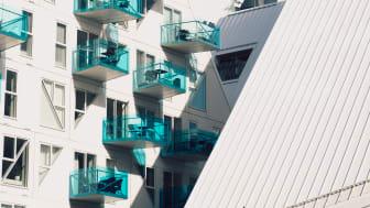 På helårsbasis förblev såväl villa- som bostadsrättspriser oförändrade under 2018. Det visar nya siffror från Svensk Mäklarstatistik.