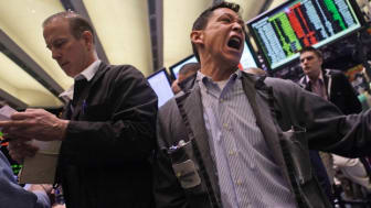 Oil falls on China fears
