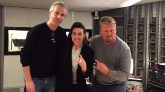 Fredrik Stenberg, Elize Ryd och Niklas Olovson i proffsstudion i Partille Kulturum. Bild: Amy Termini