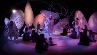 Myriader av världar, Unga på operan - Kungliga Operan