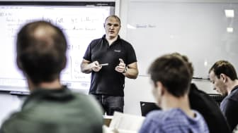 TRAINOR INSTRUCTORS ARE KNOWN AS MOTIVATING AND SKILLED, BOTH IN EXPERTISE AND PEDAGOGICS.