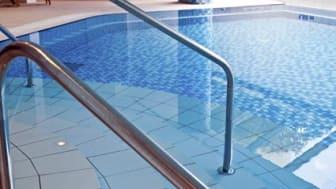 Ny fästmassa speciellt för simbassänger