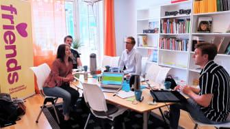 Så här såg det ut när våra startups idégenererade om hur Friends med ny teknik kan bygga en kunskapsbank som är både interaktiv och inkorporerar barnens röst.