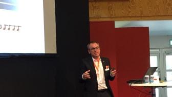 Joakim Lorensson från KUKA berättade om framtidens robotik under Elmia Automation.