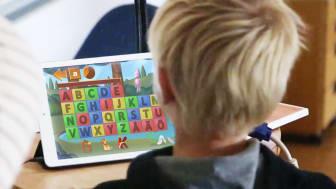 Innovatums inkubatorföretag Trilo utvecklar appar för att barn ska se sambanden mellan ljud och bokstav och på så sätt knäcka läskoden.