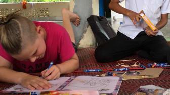 Adam och Bun när de träffades i Kambodja under ett fadderbesök.