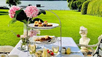 Vi håller öppet för Afternoon Tea lördagar mellan kl 1300-1600. Hembakt oc guldkantat.