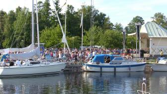 Fullmatad sommar på Göta kanal – även på land