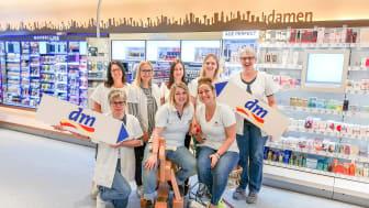 Da Team vom dm-Markt in Bad Wildbad freut sich auf zahlreiche Kunden