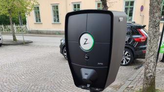 Till sommaren erbjuder kommunen fler platser att ladda din elbil på.
