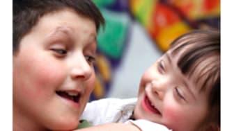 Rädda Barnen konstaterar: Livets lotteri avgör fortfarande barnets möjlighet till skydd och stöd i Sverige