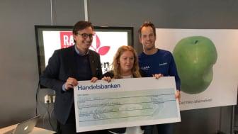 På bilden från höger Magnus Norman (Race4kids with Allergies), Anki Hörnlund (Astma- och Allergiföreningen i Mellansverige), Robert Hejdenberg (Astma- och Allergiförbundets forskningsfond) .