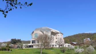 Das Goetheanum –Freie Hochschule für Geisteswissenschaft von Südwesten (Foto: Sebastian Jüngel)