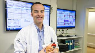 David Sparvs forskning visar att syrgasbehandling i samband med hjärtinfarkt eller kärlkramp inte lindrar smärta.