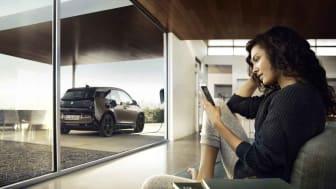 E-Autos als mobile Speicher: Die Forschung zu bidirektionalem Lademanagement soll mit dem Einsatz von intelligenten Zählern neue Zukunftsideen zeigen. © BMW AG, München