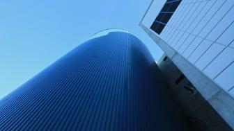 Byens blå batteri - akkumulatortanken ved Energigjenvinningsanlegget i Ålesund.