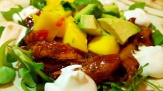 Långkok på höna med mangosalsa