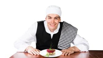 Tolv elever går utbildningen till måltidsbiträden som ska ge sommarjobb hos IKEA.