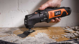 Såga, skrapa, slipa, skruva & spika med AEG's multiverktyg med utbytbara huvud!