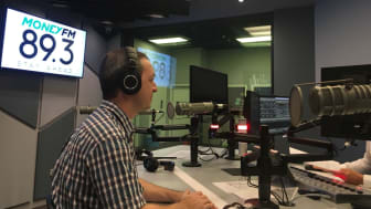 HBM's Mark Laudi with Jason Dasey on the weekend show on Money FM 89.3
