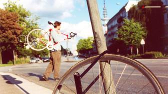 Zum Fahrrad gehören eine gute Diebstahlsicherung und eine leistungsstarke Hausratversicherung. Foto.: SIGNAL IDUNA