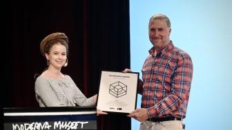 Rebecka Wijk Fagerberg nyexaminerad digital designer från Göteborg, prisad av Amanda Lind