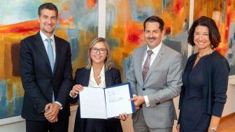Dr. Axel Kaufmann (Spokesman of the Board & CFOO Nemetschek Group), Tanja Kufner (Head of Start Up & Venture Investments Nemetschek Group), Prof. Dr. Thomas F. Hofmann (President of TUM) and Dr. Sandra Bogdanovic (Fundraising Officer TUM)