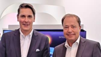Gemeinsam für Südhessen: Zukunftsprojekt Glasfaser: Uwe Nickl, CEO von Deutsche Glasfaser (l.) und Thomas Schmidt, Geschäftsführer von ENTEGA Energie GmbH. (DG)
