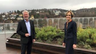 Finn Bjørn Ruyter og Anette Olsen har i dag signert samarbeidsavtale om utvikling av havvind på norsk sokkel.