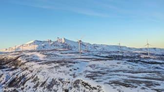 Bilde fra Fakken vindkraftpark på Vannøya i Troms, som eies av Troms Kraft. Foto: Frank Rune Isaksen i Frikant Mediedesign.