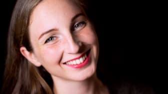Ylva Stenberg fick årets Jenny Lind-stipendium. På söndag 30 juli kl. 19.00 uppträder hon på vita scenen i Stadsparken.