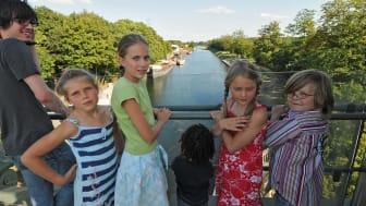 Familienspaziergang im Schiffshebewerk Henrichenburg. Foto: LWL/Hudemann