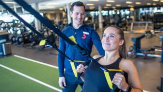 SATS växer med 6 nya träningscenter och padel