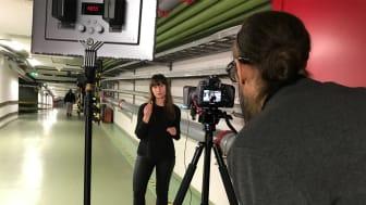 Årets Eldsjäl 2020, Brandingenjör Malin Tindberg berättar om sprinklersystem i webbutbildning om brandsäkerhet. Foto: Joakim Lindhé
