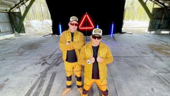 KITOK hyllar EPA-traktorn på ny singel - med Youtube-stjärnan Radloff i 30 km/h