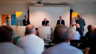 Paneldebat under konferencen (fra venstre: Hanne Kvist, Erik Thomas Johnson, Lars Worre, Lars Jøker og Jens Sørensen.