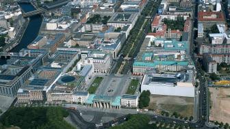 """Berlin-Mitte: """"Unter den Linden"""", Spree  F: Lehnartz GbR Lehnartz, Klaus und Dirk"""