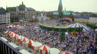 På begäran – regelverk på Malmöfestivalens kräftskiva