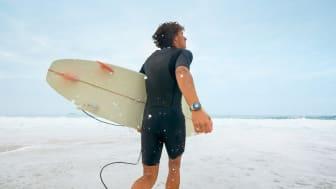 Huawei Watch GT2e_creative shots_Surfing_1_EN_final20200223