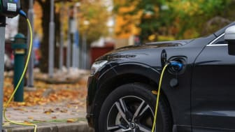 Examples of such automated messages include approvals for connecting electric car chargers or solar panels to existing customer points. These are messages that do not require any changes to the power grid. Photo: iStock