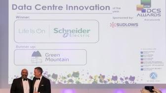 Schneider Electric vant prisen for «Data Centre Innovation of the Year» med datasenter-systemet HyperPodTM.