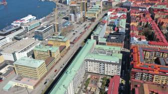 Nu startar förberedande arbeten på Masthuggskajen. Första Långgatan och Masthamnsgatan är först ut när spaden sätts i marken.