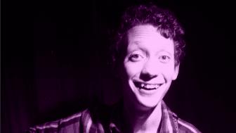20 årige Jonas blev reklamfilmsproducent över en natt – Nu går hans pantamera-film på TV